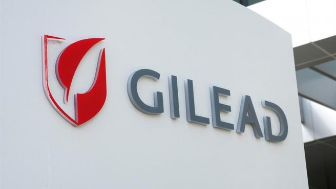 Logo de la empresa biotecnológica Gilead, en la sede de la compañía en Foster City, California (EE UU).
