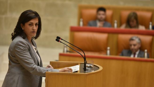 La presidenta del Gobierno riojano, Concha Andreu, interviene en el pleno del Parlamento riojano