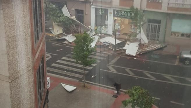Una tormenta provoca la caída de tejados en Verín (Ourense)