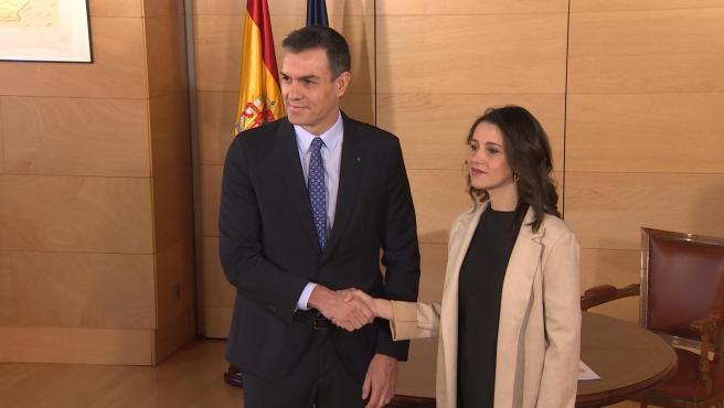 Inés Arrimadas y los exiguos 10 diputados de Ciudadanos allanaron este martes a última hora la ajustada votación de este miércoles en el Congreso para prorrogar por cuarta vez, hasta el 24 de mayo, el estado de alarma.
