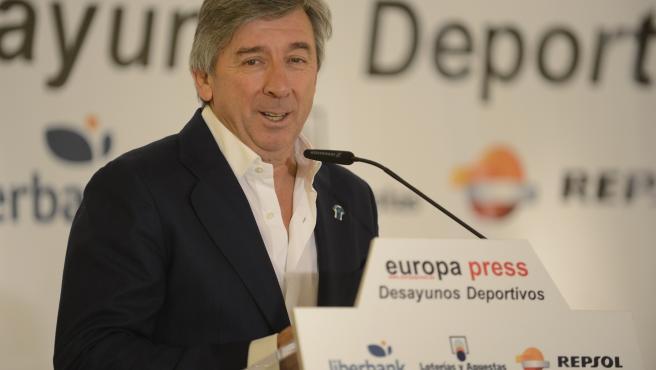 Persberichten El-manager-general-del-movistar-team-eusebio-unzue-en-los-desayunos-de-europa-press
