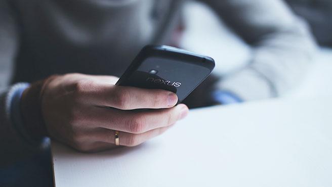 En España, el móvil adelanta al ordenador como instrumento más utilizado para realizar compras online