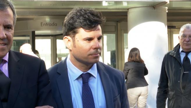 Javier Santos no es hijo de Julio Iglesias según sentencia provincial