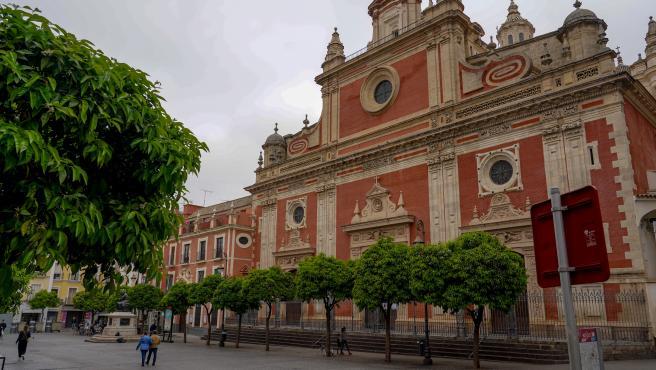 Plaza del Salvador con muy pocas personas. Sevilla a 14 de marzo del 2020