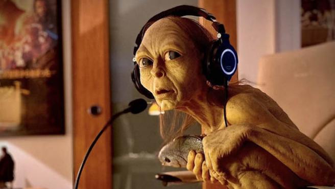 Gollum vuelve: Andy Serkis lee 'El Hobbit' en directo para luchar contra el coronavirus
