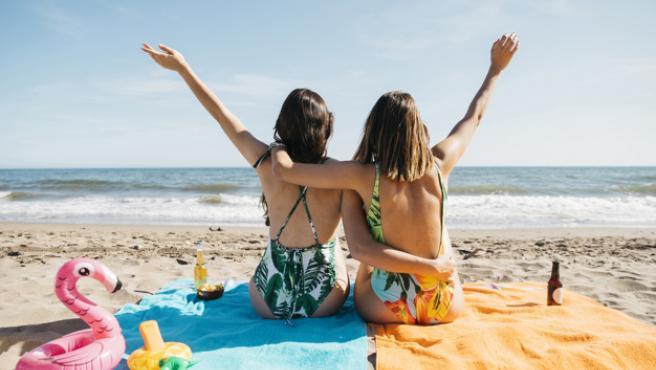 Bañadores y bikinis se convierten en las prendas más buscadas estos días.