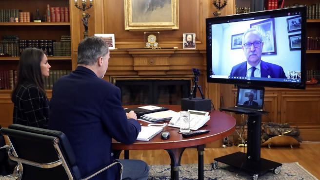 Los Reyes, en una videoconferencia con el presidente del CGCOM