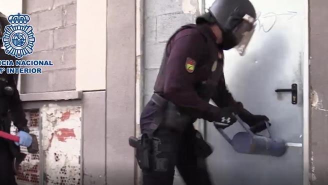 Imagen de la intervención policial que logró detener al presunto autor de un homicidio el pasado 14 de marzo.