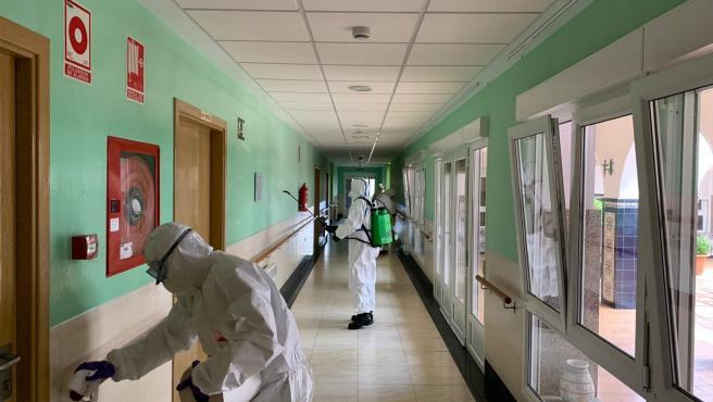 Coronavirus.-La Junta aísla aún a 59 residentes de forma preventiva y vigila a tres más por sospecha