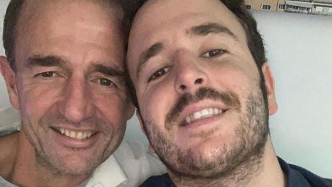 El conde Alessandro Lequio y su hijo, Álex Lequio, posan juntos.