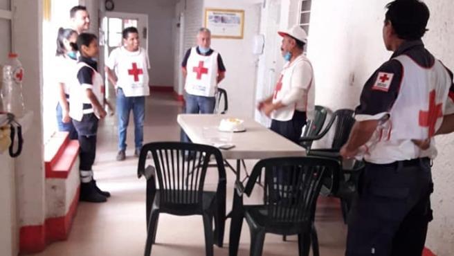 Imagen del voluntario de Cruz Roja que fue golpeados y rociado de cloro.