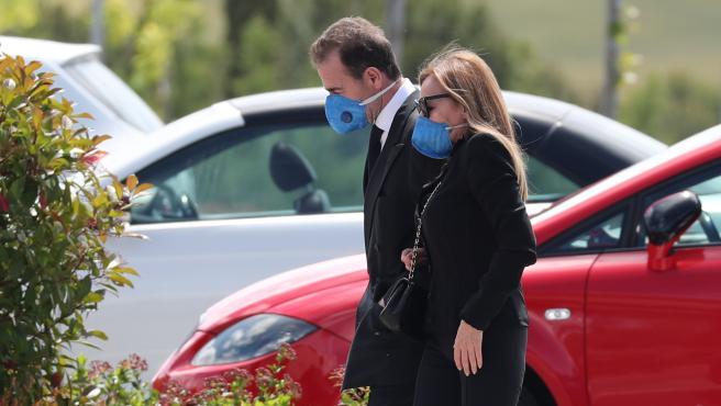 Imagen de Ana Obregón y Alessandro Lequio, a su llegada al funeral de su hijo Álex.