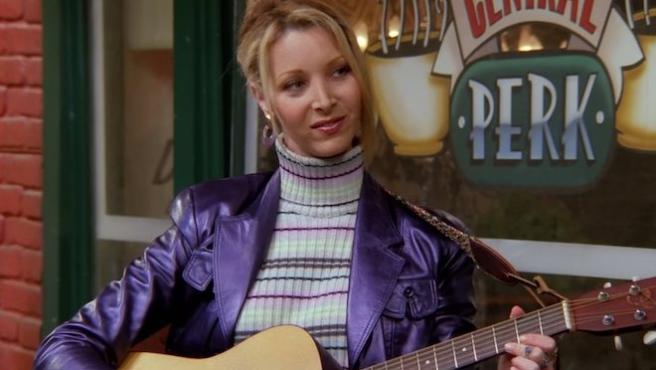 """Lisa Kudrow responde a las críticas a 'Friends': """"Era progresista para la época"""""""
