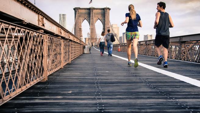 El país continúa en estado de alarma y el deporte debe realizarse de manera individual. De momento no está permitido quedar con nadie para salir a correr, aunque los paseos sí pueden ser de dos personas.