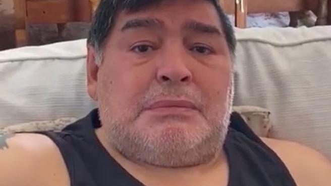 Maradona, emocionado