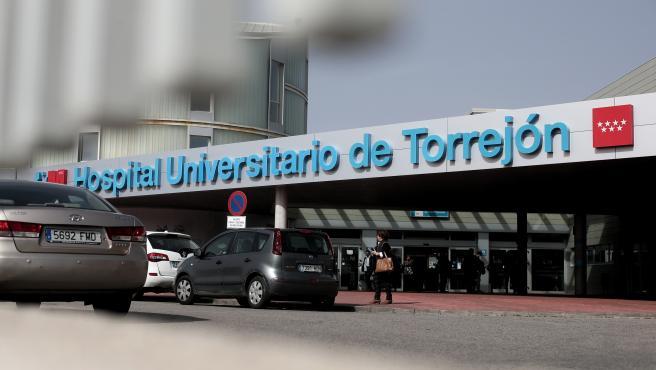 Entrada al Hospital Universitario de Torrejón
