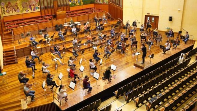 La Orquesta de Euskadi ensaya en su sede de Miramón, en San Sebastián