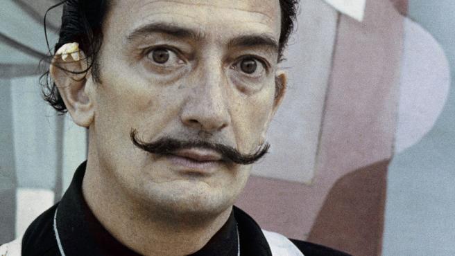Salvador Dalí, 1949. Ricardo Sans Condeminas © Fundació Gala-Salvador Dalí. Derechos de imagen de Salvador Dalí reservados. Fundació Gala-Salvador Dalí, Figueres, 2020