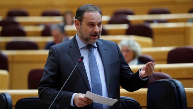 El ministro de Transportes, Movilidad y Agenda Urbana, José Luis Ábalos, en una sesión de control al Gobierno en el Senado.
