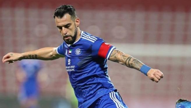Álvaro Negredo, en un partido con el Al Nasr.
