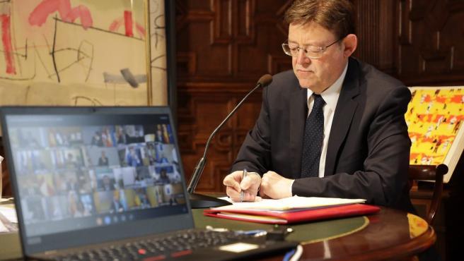 Ximo Puig durante la reunión de presidentes