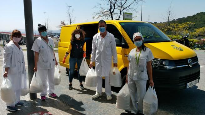 Correos colabora en el envío de ayuda a colectivos vulnerables durante la pandemia.