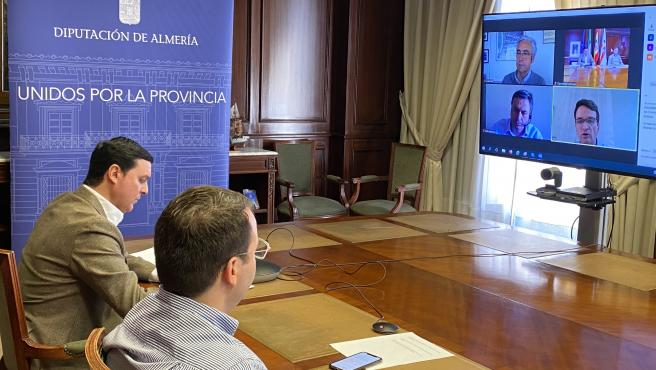 Javier Aureliano García y Fernando Giménez, en la reunión con Endesa
