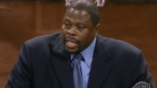 Patrick Ewing, cuando fue incluido en el Salón de la Fama de la NBA.