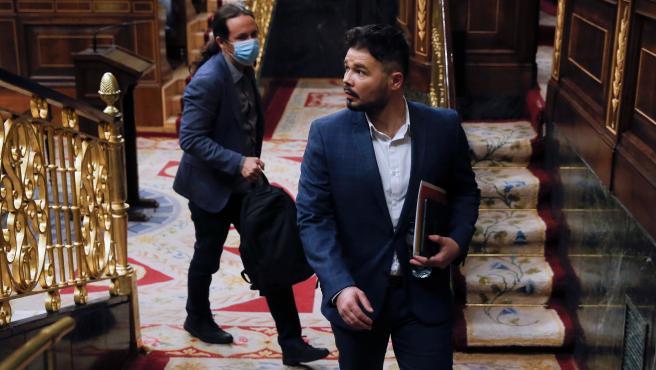 El portavoz de ERC, Gabriel Rufián, saliendo del hemiciclo del Congreso
