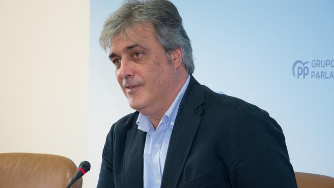 El portavoz parlamentario del PPdeG, Pedro Puy, en la reuda de prensa