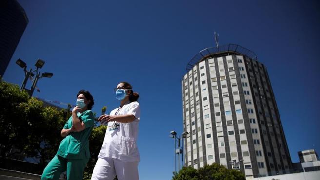 Sanitarios en el Hospital Universitario de La Paz de Madrid.