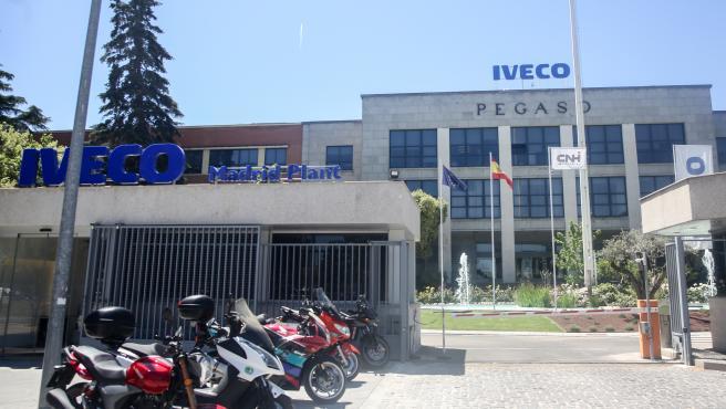 Sede de la empresa Iveco en Madrid, donde trabajaba la mujer que se quitó la vida después de la difusión entre los empleados de un vídeo suyo de carácter sexual.