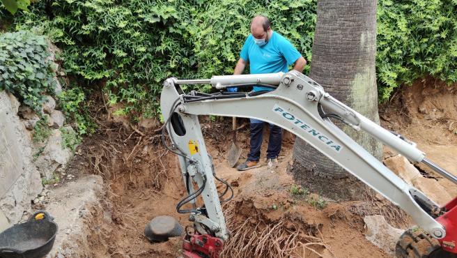 Trabajos de exhumación en el cementerio de Sencelles