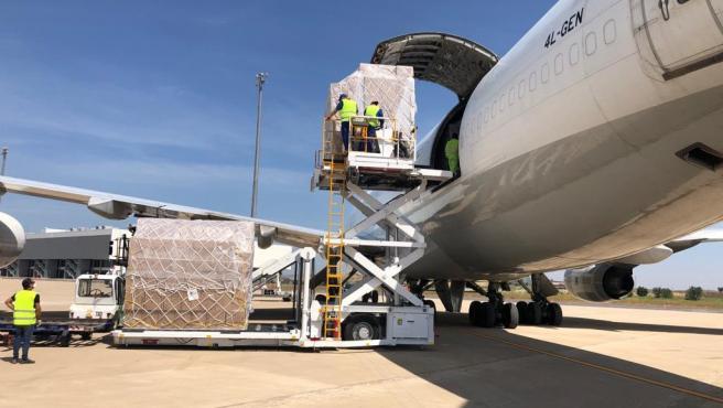 Fedifar posibilita la llegada de más de 26,5 millones de mascarillas a través del corredor sanitario que abrió entre China y España en el Aeropuerto de Ciudad Real