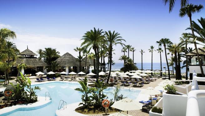 Piscina Orange Beach Club Marbella