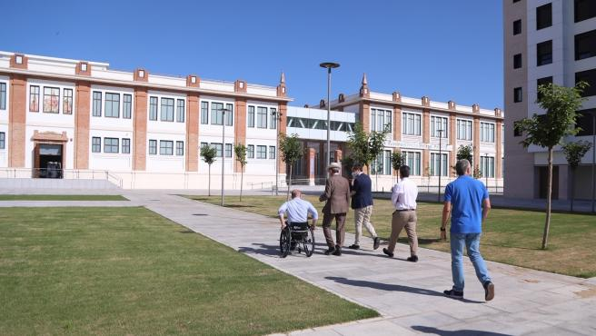 El distrito Carretera de Cádiz cuenta con una nueva plaza y zona verde en el entorno de Tabacalera