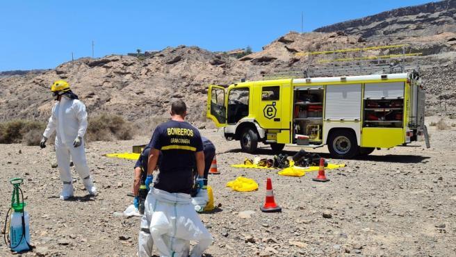 Bomberos de Gran Canaria rescatan el cuerpo sin vida de una persona que vivía en una cueva en Mogán