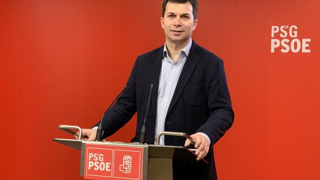 El secretario xeral del PSdeG, Gonzalo Caballero, en la sede de la formación socialista