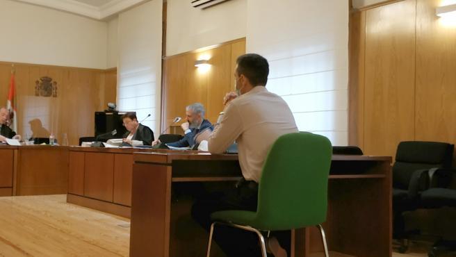 El ya exbecario de la Universidad de Valladolid acusado de 'fundir' una veintena de ordenadores del laboratorio donde desarrollaba su tesis.
