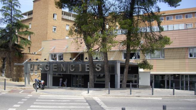 Fachada del servicio de urgencias del Hospital Arnau de Vilanova de Lleida (Archivo)