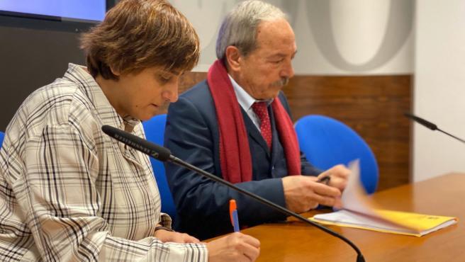 La edil socialista, Ana Rivas, y el portavoz municipal, Wenceslao López.
