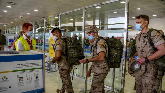 Los legionarios embarcan en el aeropuerto de Almería hacía Mali