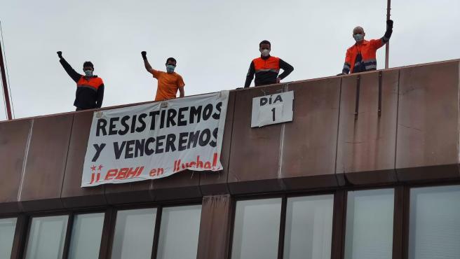 Cuatro trabajadores de la EBHI inician una huelga de hambre en protesta por el ERTE que quiere 'imponer' la empresa