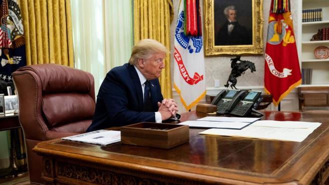 El presidente de los Estados Unidos, Donald Trump, minutos antes de firmar una orden ejecutiva que castigará a Facebook, Google y Twitter.
