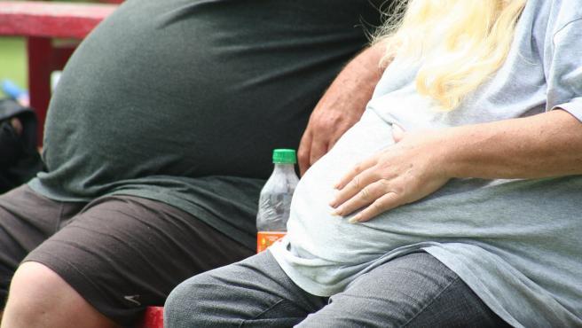 Dos personas con obesidad