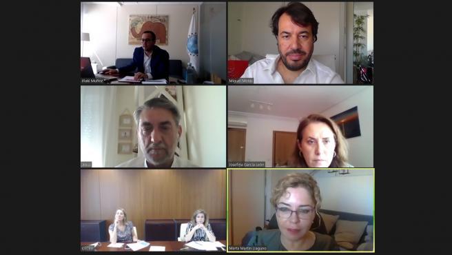 Imagen de la reunión mantenida hoy por el consejero Miguel Motas con representantes de la Federación Española de Dislexia (Fedis).
