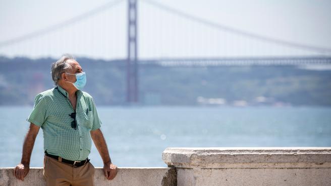 Easing coronavirus restrictions in Portugal
