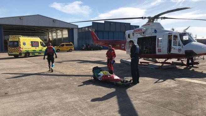Pescador sanotñés evacuado en helicóptero a Valdecilla tras ser rescatado preahogado por sus compañeros