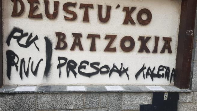 Segundo ataque al batzoki de Deusto