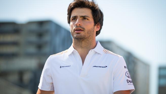 Carlos Sainz, en el paddock.